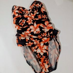 Merona Batging Suit Size Medium Orange Floral